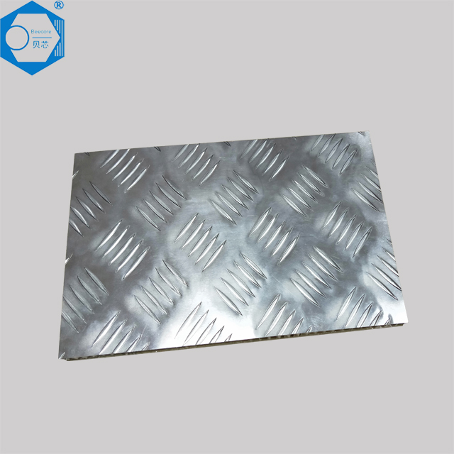 Non-slip aluminum honeycomb panel